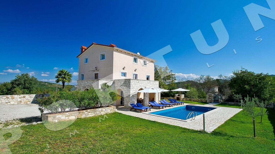 Holiday house in the surroundings of Motovun, 315.000 €