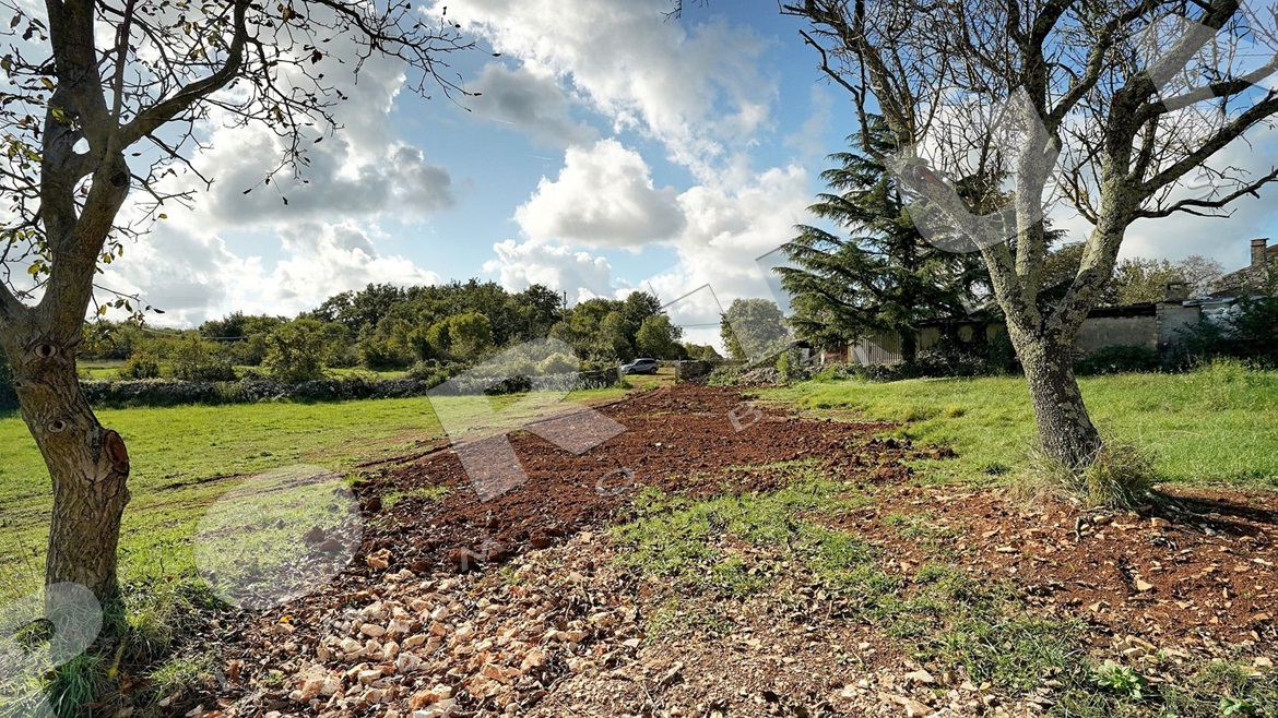 Building plot in the surroundings of Rovinj, 88.400 €