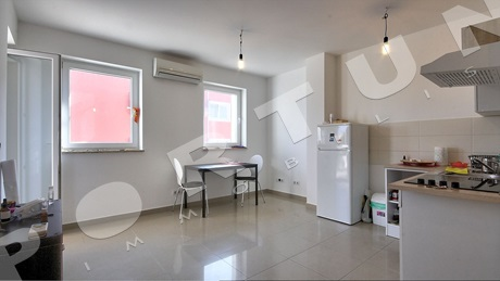 Bright one bedroom flat with one parking space in Rovinj