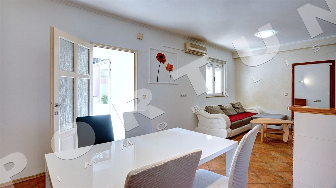 Two bedroom flat in the surroundings of Rovinj, 93.000 €