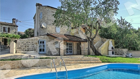 Stone house with pool in the surroundings of Grožnjan