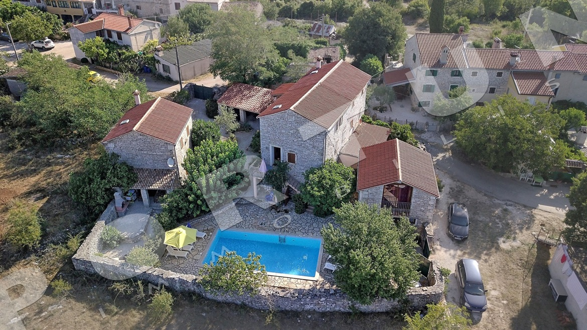325c8fd63 Lowered price of stone house in Istria -45%