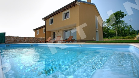 New house with pool in the area of Rovinj