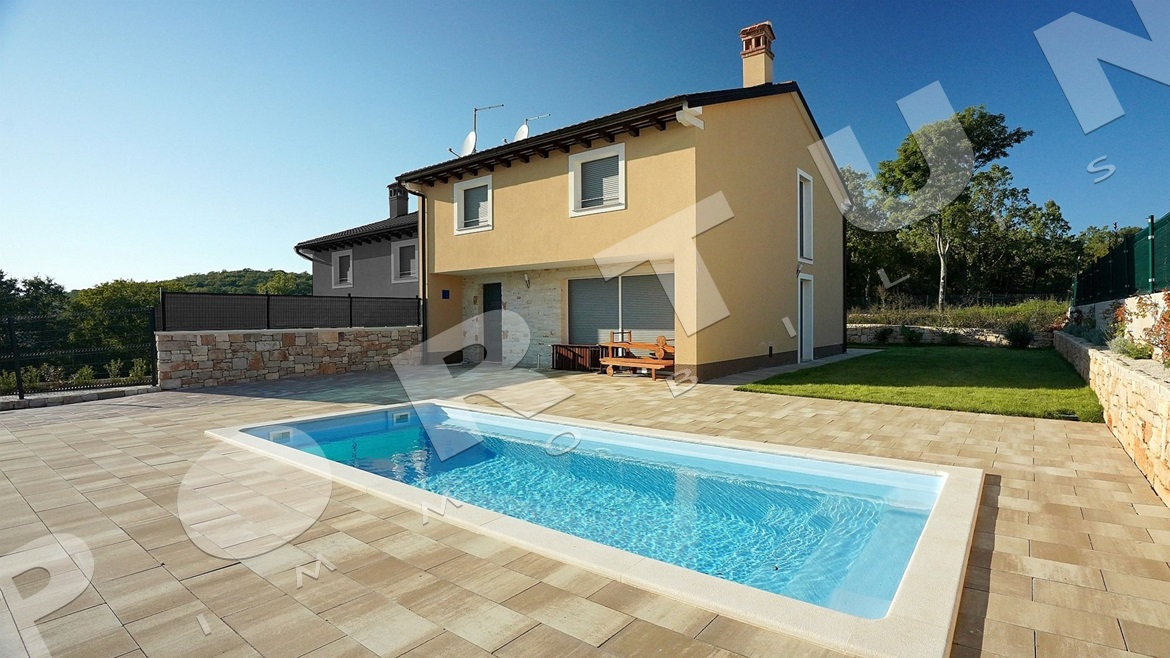 New house with pool in the area of Rovinj, 300.000 €