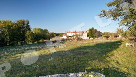 Building land in a quiet location close to Kanfanar