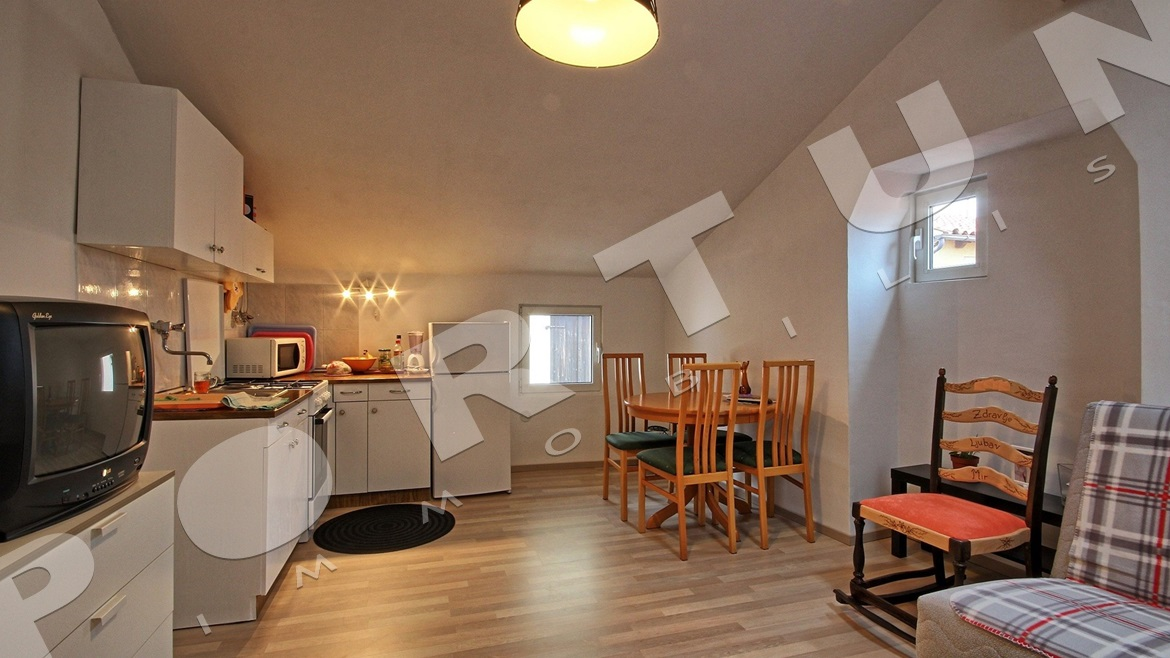 Two bedroom flat with sea views in the heart of Rovinj  , 117.000 €
