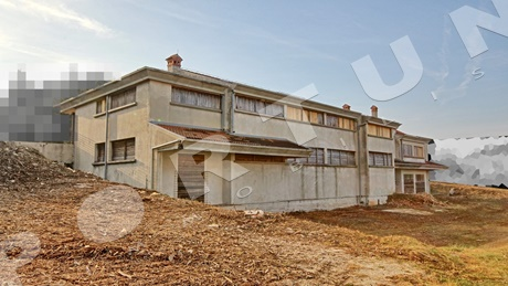 Commercial building 1.484 m2 & 2.190 m2 near Rovinj in Croatia