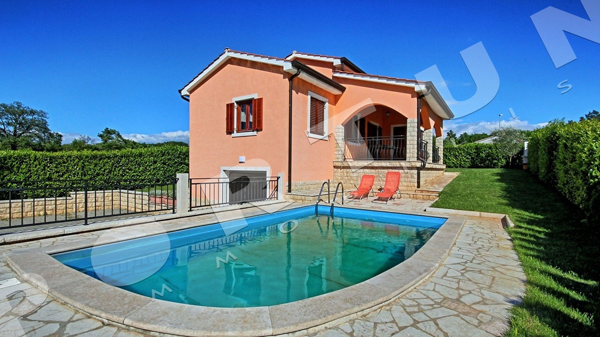 Detached Family House With Pool Located Near Vrsar