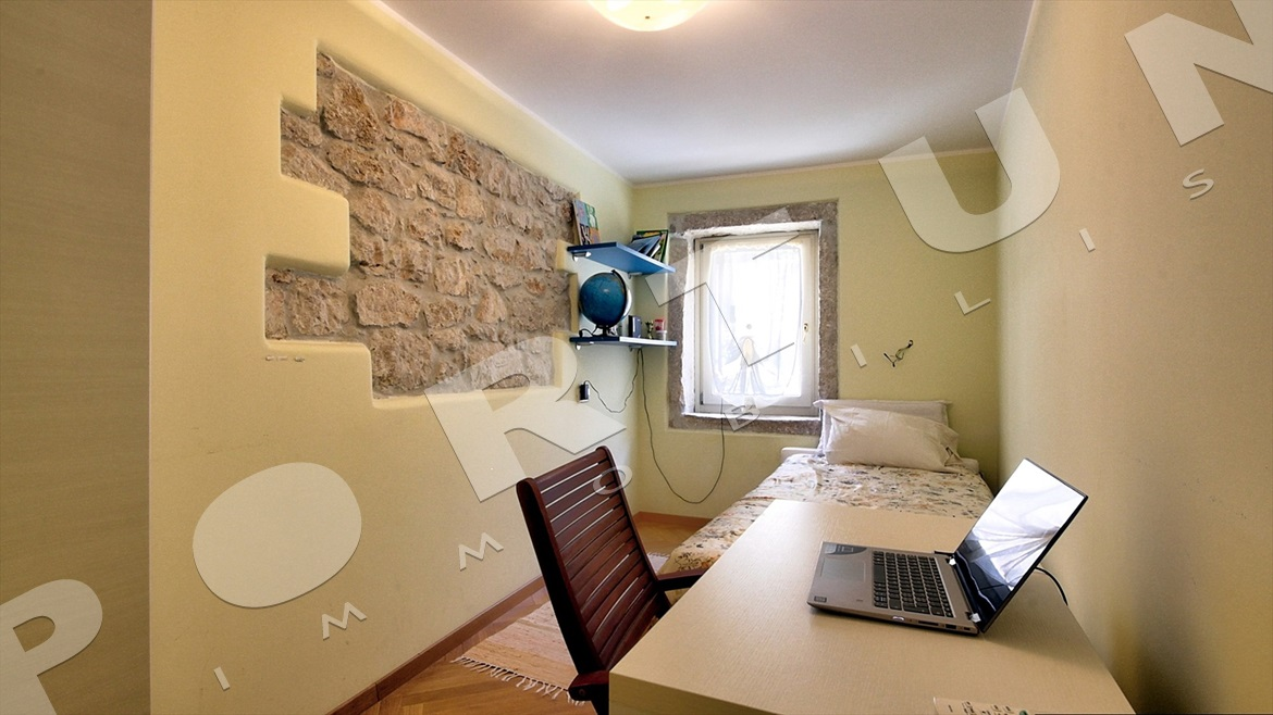 Beautifully restored stone house in Rovinj, 648.000 €