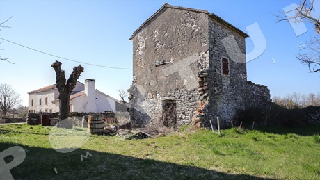 Old stone house in central Istria