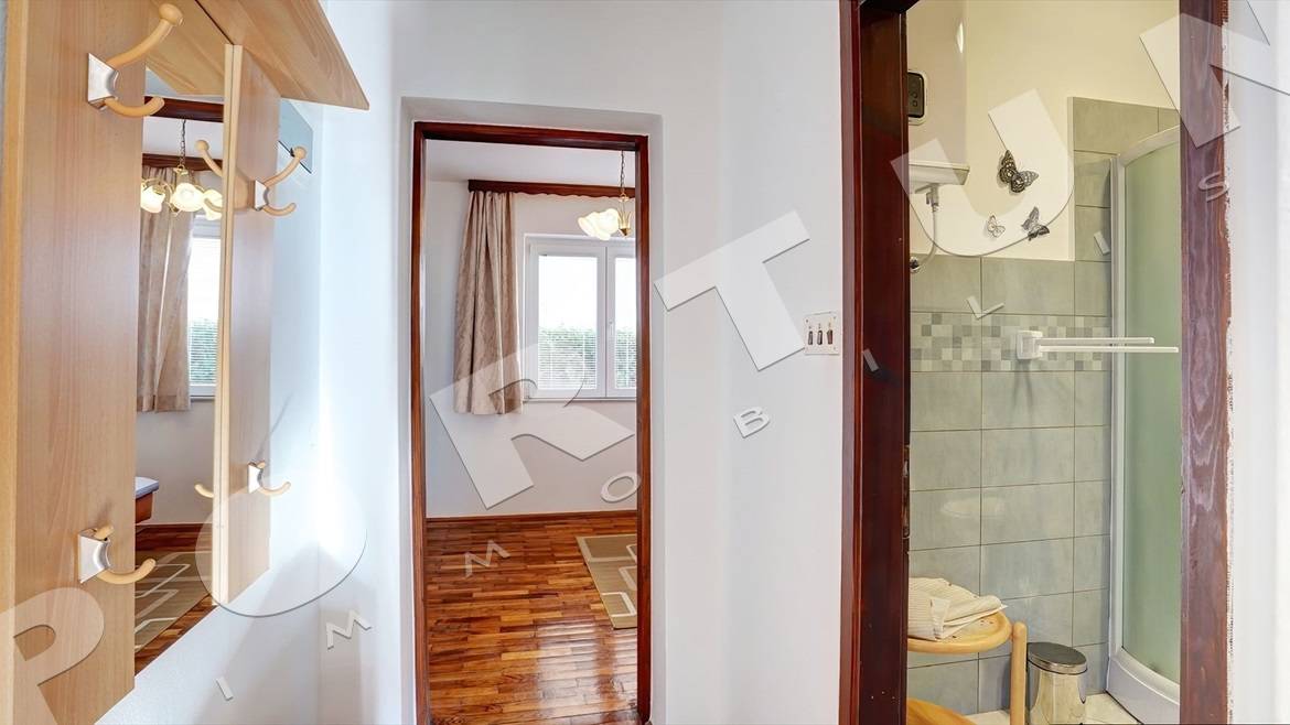 House with five flats in Rovinj, 499.000 €