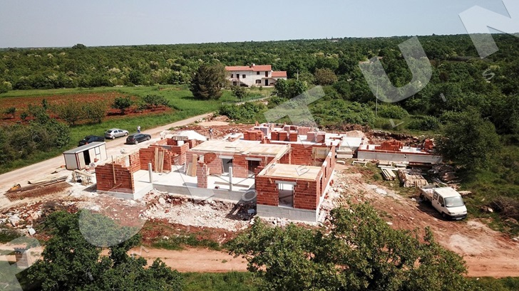 Construction works on the villa in the area of Svetvinčenat are progressing